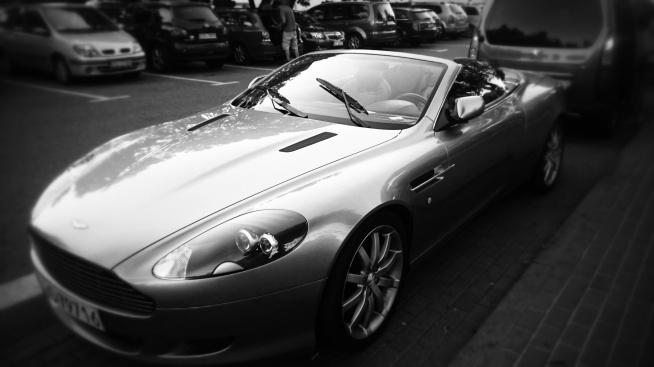 Kolejna moja miłość- samochody. Oto fotografia z tej wspaniałej kategorii i mój jeden z number 1 Aston Martin..love!!!