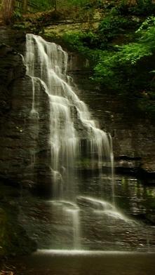 USA- Piękny wodospad. Fotografia z kategorii podróże, natura, krajobraz.