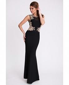 Wieczorowa sukienka maxi, ozdobiona złotym haftem. Na plecach efektowne wycięcie.  Sukienka dostępna w naszym sklepie internetowym, do którego możesz przejść po kliknięciu w zdj...