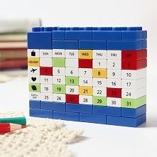 Kalendarz na biurko z LEGO
