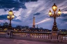 most paryż latarnie