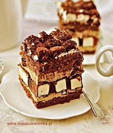 """Ciasto """"Dziwaczek"""" z bakaliami, ptasim mleczkiem i kremem kawowym. Przepis po kliknięciu w zdjęcie."""