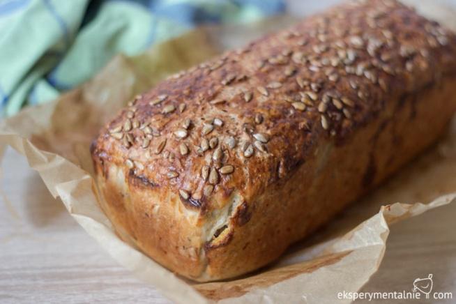 Przepis na prosty chleb z ziarnami – bez maszyny