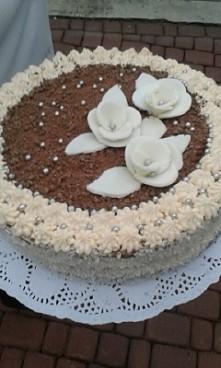 tort robiony przezemnie i mamę ^^