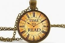 """Książkę """"W połowie drogi"""" przeczytałam z ogromnym zainteresowaniem i właściwie w ciągu jednego wieczoru. Mały format i zaledwie 90 stron tekstu to dobry sposób na spędzenie godz..."""