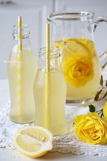 Przepyszna lemoniada różana