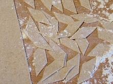 MAKARON mąka pszenna pełnoziarnista (100g)  woda (60ml)  ½ łyżeczki soli     ...