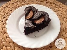 Ciasto czekoladowe z gruszkami i czerwonym winem - wegańskie