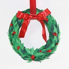 Bożonarodzeniowy wieniec wy...