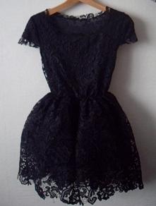 klasyczna mała czarna