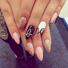 nails.7