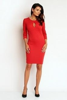 Czerwona dopasowana sukienka z łezką