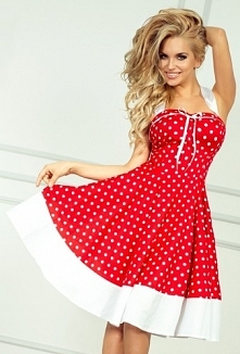 Czerwona sukienka w białe kropki