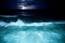 Nocą..najlepiej myśli się o tym, co by było gdyby..