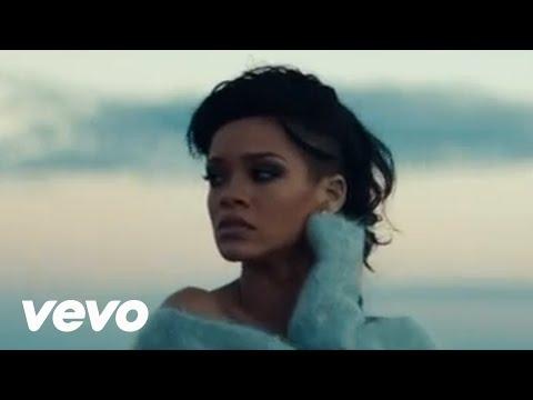 Śliczna piosenka a Rihanna jeszcze bardziej :D Ciągle ją puszczam od nowa : cudowna! <3  Diamonds - Robin Rihanna Fenty