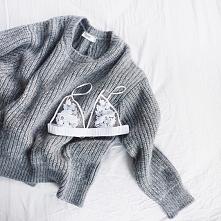 śliczny sweter ♥ stanik z resztą też!
