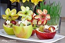Miseczka jabłkowa z owocami
