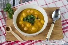 Zupa krem z dyni z ciecierz...