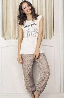 Esotiq Dumi 33539-02X piżama łososiowa Piękna piżama damska, koszulka z krótkim rękawem, nadruk ciasteczek, kremówek i muffinków