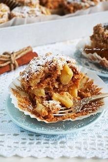 Muffinki z jabłkami, cynamonem i kruszonką <3Proste, szybkie, pyszne :) Przepis po kliknięciu w zdjęcie :)