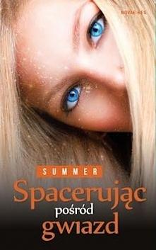 """Czy poleciłabym innym """"Spacerując pośród gwiazd""""? O tak! Zdecydowanie. Mimo aspektów, które mnie w jakimś stopniu drażniły, to książka o ogromnym potencjale (niewykorzystanym ze..."""