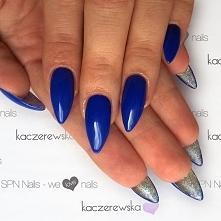 Na górze niebieski. Na dole srebrny.  SPN Nails kolory: Sky is the limit & Golden Eye  Nails by Karolina Kaczerewska