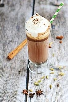 Kakao na zimne ponure dni Składniki 200 ml mleka 4-5 łyżek rozpuszczalnego ka...