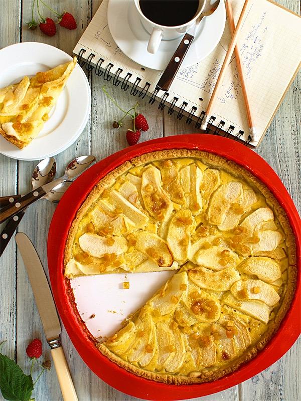 Tarta z jabłkami, kremem śmietankowym i skórką pomarańczową