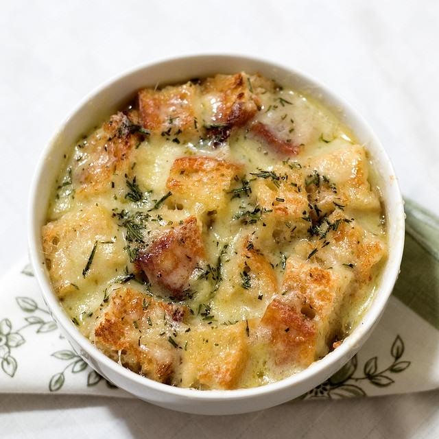 Francuska Zupa Cebulowa Na Przepisy Kulinarne Zszywkapl