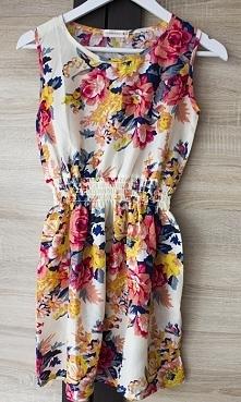 sprzedam sukienkę w kwiaty