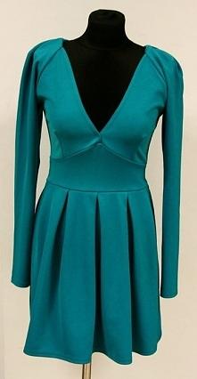 Piękna turkusowa sukienka. Zapraszamy do odwiedzenia naszego sklepu, a w nim znajdziesz więcej takich ciekawych rzeczy. Suwałki ul. Noniewicza 85F.