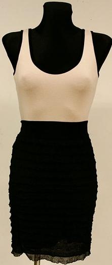 Sukienka w sam raz na co dzień i na imprezę. Zapraszamy :-) do naszego sklepu w Suwałkach