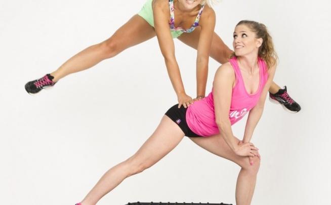 CO TO JEST JUMPING FITNESS ?  Skoki na trampolinie stały się skutecznym i modnym sposobem na piękną sylwetkę i utratę zbędnych kilogramów. Jumping fitness obejmuje cały zestaw ćwiczeń, opracowanych przez specjalistów fitness.  Dowiedz się więcej o Jumping fitness na naszym blogu ;) Klik w obrazek!  Szukasz może klubu fitness z zajęciami na trampolinie? Wyszukasz je w naszej wyszukiwarce FitPlanner :) Odwiedź nas i sprawdź.