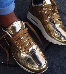 Złote Nike Air Max