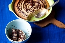 Jaglanka zapieczona z bananami i mlekiem kokosowym z czekoladą