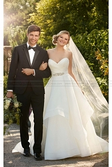 Royal Organza,strapless,sweetheart,Essense of Australia Wedding Dress Style D2094
