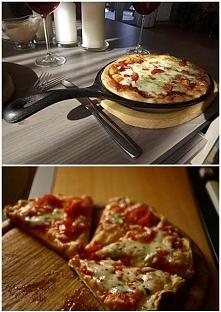 szybka pizza z patelni -10 minut robienia i tyle samo smażenia  SKLADNIKI NA CIASTO: 6 łyżek mąki, 2 jajka, woda, 2 parówki, szczypiorek, sól i pieprz,   DODATKI 2-3 łyżkikoncen...