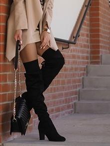 Czarne, zamszowe kozaki overknee.  Blogerka: Fashion Lady An