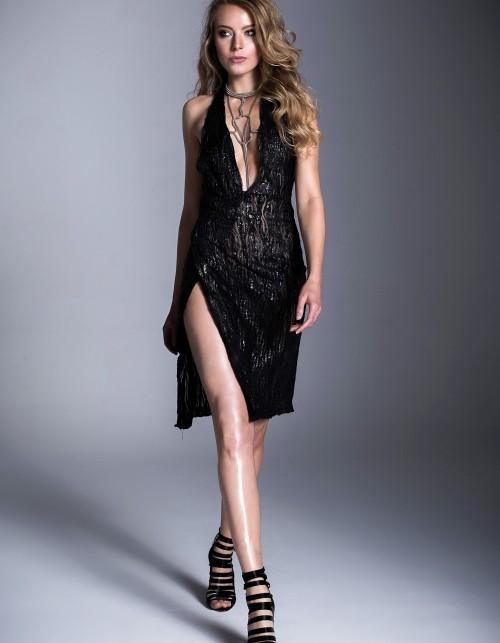 Sukienki na Sylwestra, które kupisz w internecie! [GALERIA] Specjalnie dla Ciebie, odnaleźliśmy w różnych sklepach internetowych i platformach piękne oryginalne sukienki na Sylwestra.
