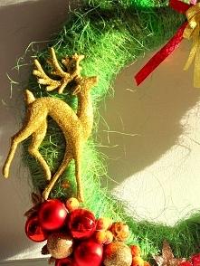 Świąteczny wianek z renifer...