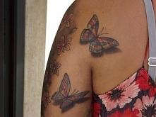 tatuaże damskie motyle
