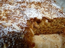 Ciasto z dyni a la piernik Składniki: 2 szklanki mąki 2 szklanki utartej dyni...