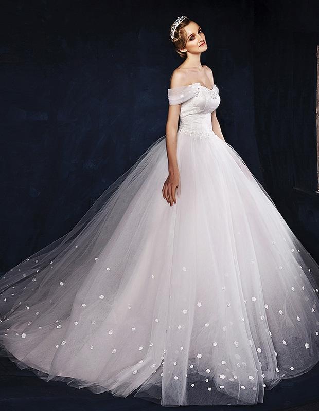 Wyszukaj podobne do Sukienka bez ramiączek