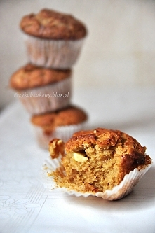 Muffiny z masłem orzechowym i białą czekoladą