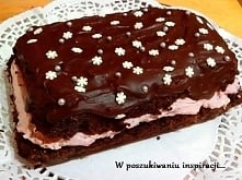 Obłędnie czekoladowe ciasto bez jajek, masła i bez użycia (lub z jedynie małą pomocą) miksera.Przepis w pierwszym komentarzu.