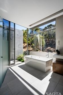 Nowoczesna łazienka, luksusowa willa Clifton 2a w RPA według projektu biura a...
