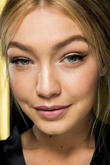 STROBING: Nowa technika w makijażu <3 Poprawia rysy twarzy!