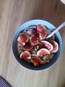 Bądź fit. błonnik, figi, jogurt naturalny, miód