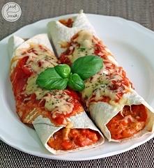 Enchiladas z kurczakiem Składniki: 4 duże TORTILLE KUKURYDZIANE podwójna pier...