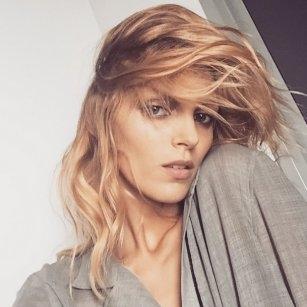 Jak spać w mokrych włosach, żeby rano super wyglądać??  Dzięki tym poradom pośpisz dłużej, a Twoje włosy same się ułożą :))